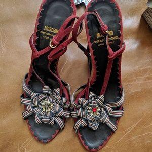 MOSCHINO vintage red suede holiday heel pump